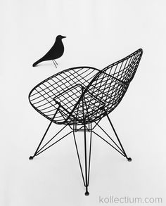 Wire chair, Charles and Ray Eames. Archivio Domus