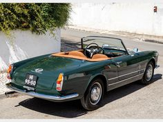 Recent cosmetic restoration Gorgeous dark-green-over-tan colour scheme Alfa Romeo Spider, Finding A House, Manual Transmission, World War Two, Touring, Two By Two, Cars, Collection, Antique Cars