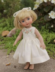 how to: embroidered doll dress (good basic pattern, easy to scale down)