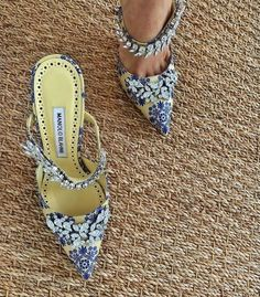 Dr Shoes, Crazy Shoes, Me Too Shoes, Shoes Heels, Pumps, Pretty Shoes, Beautiful Shoes, Cute Shoes, Zapatos Shoes