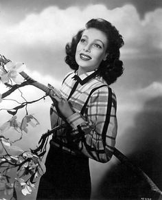 Loretta Young Loretta Young, Bishop Wife, Judy Lewis, Next Film, Best Supporting Actor, Farmer's Daughter, Classic Actresses, Vintage Hollywood, Classic Hollywood