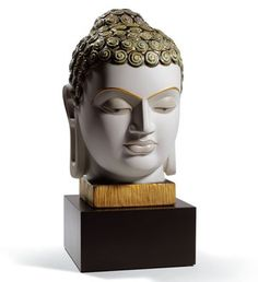 01008435  BUDDHA II (GOLDEN AND BLUE)   Issue Year: 2011  Sculptor: Marco Antonio Noguerón  Size: 35x17 cm  Base included      Limited Edition 750 pieces