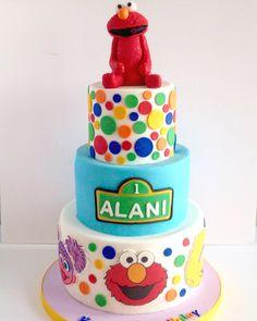 Sesame Street cake. Fondant Elmo cake topper