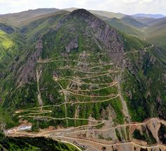 This Terrifying 'Highway to Hell' Was Just Named the World's Most Dangerous Road Crazy Roller Coaster, Dangerous Roads, Highway To Hell, Mountain Pass, Winding Road, Berg, Paths, Around The Worlds, Outdoor