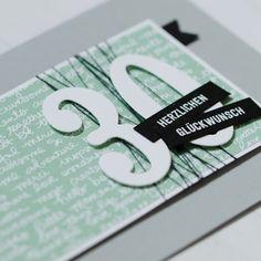 Eine Geburtstagskarte zum 30., welche mit den Stampin' Up! Framelits Große Zahlen und dem Designerpapier im Block in Minzmakrone dekoriert wurde.
