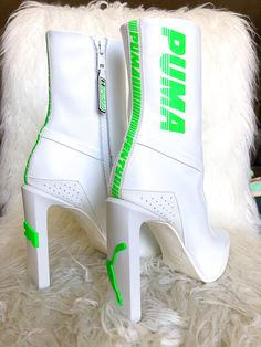 Puma white and green boots Cute Shoes, Me Too Shoes, Heeled Boots, Shoe Boots, Shoes Sneakers, Shoes Heels, Dream Shoes, Shoe Closet, Hunter Boots
