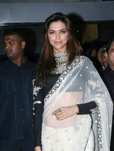 Deepika Padukone in Saree. Deepika Padukone is the current flavour of the season, she is all over the place,and there's another SRK-Deepika film coming up Deepika Padukone Saree, Bollywood Saree, Bollywood Fashion, Bollywood Actress, Sabyasachi Sarees, Lehenga, Indian Dresses, Indian Outfits, Indian Clothes