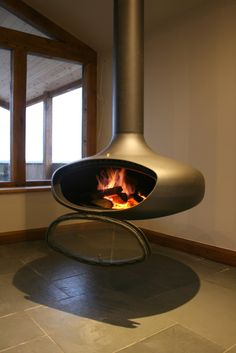 Feel the burning sensation of Wood Burning Stove Style. See much more suggestions concerning Wood ranges, Timber oven and Fireplace heating unit. Choosing the most effective wood shedding stoves for your homestead is a personal event. Best Wood Burning Stove, Modern Wood Burning Stoves, Wood Burning Fires, Suspended Fireplace, Hanging Fireplace, Freestanding Fireplace, Wood Burner Fireplace, Fireplace Heater, Contemporary Fireplace Designs