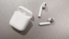 Los AirPods se ven raros, pero son excelentes audífonos inalámbricos http://j.mp/2c82LOQ
