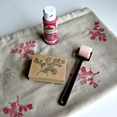 Rubber stamps and acrylic paint is all you need to make your own fabric designs! LOVE!!!