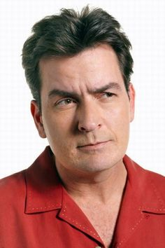 "Charlie Sheen viré de ""Mon Oncle Charlie"" Two And Half Men, Half Man, Charle Sheen, Carlos Estevez, Kehinde Wiley, The Three Stooges, Metal Tattoo, Young Guns, Best Online Casino"