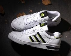 uk availability 09771 c1758 adidas Originals Edberg 86