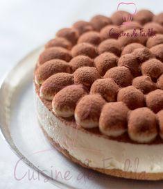 Tiramisu façon entremets Un tiramisu composée d'une mascarpone et chantilly, et un biscuit cuillère imbibé de café aromatisé à la fleur d'oranger