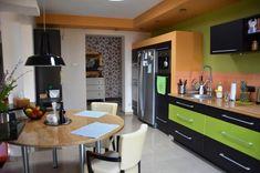 Projekt NAVY - granatowa, elegancka kuchnia w klasycznym stylu Kitchenaid, Liquor Cabinet, Kitchen Design, Kitchen Cabinets, House, Storage, Dream Kitchens, Table, Furniture