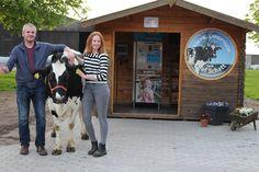 Milchtankstellen in Dithmarschen: In Eddelak gibt es die Milchtankstelle der Familie Schatt