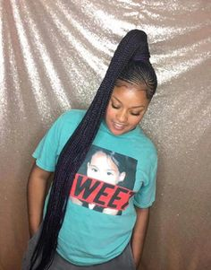 All styles of box braids to sublimate her hair afro On long box braids, everything is allowed! For fans of all kinds of buns, Afro braids in XXL bun bun work as well as the low glamorous bun Zoe Kravitz. Braided Ponytail Hairstyles, Braided Hairstyles For Black Women, Easy Hairstyles For Medium Hair, My Hairstyle, Box Braids Hairstyles, Girl Hairstyles, Braided Ponytail Black Hair, Cornrow Ponytail, Birthday Hairstyles