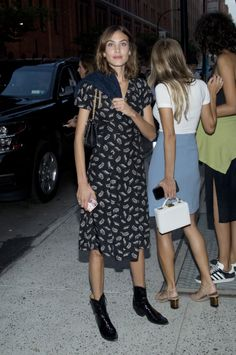 Alexa Chung - New York Fashion Week in New York City. (9 September 2016)