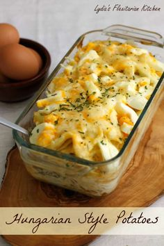 Hungarian Style Potatoes (Food Recipes, Dinner Ideas, Healthy Recipe Tips) Hungarian Cuisine, Hungarian Recipes, Slovak Recipes, Hungarian Food, Potato Recipes, Vegetable Recipes, Czech Recipes, Ethnic Recipes, Eastern European Recipes