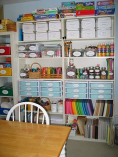 Olabelhe: a visit to our classroom house-office/craft room в Kids Room Organization, Craft Room Storage, Craft Rooms, Home Crafts, Crafts For Kids, Ideas Para Organizar, My New Room, Classroom, Home Decor