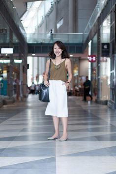 SHENTONISTA: A Stitch In Time. Andrea, Self-employed. Top from Topshop, Bag from Zalora, Pants from Editor's Market, Shoes from Charles & Keith, Necklace from sosu.co. #shentonista #theuniform #singapore #fashion #streetystyle #style #ootd #sgootd #ootdsg #wiwt #popular #people #male #female #womenswear #menswear #sgstyle #cbd #Topshop #Zalora #EditorsMarket #CharlesKeith #sosuco
