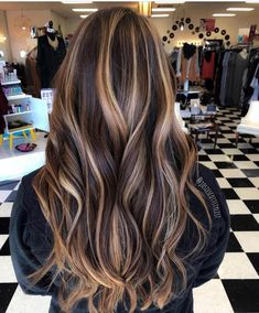 35 Breathtaking and Creative Hair Color Trends - Hair Colour Style Red Blonde Hair, Brown Hair Balayage, Hair Color Balayage, Brunette Hair, Hair Highlights, Chunky Highlights, Caramel Highlights, Brown Hair Colors, Hair Colour