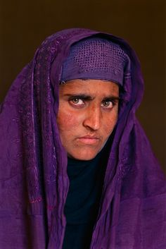 Sharbat-Gula-Peshawar-Pakistan-2002-SteveMcCurry