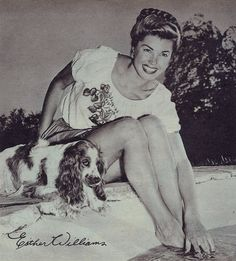 Esther Williams poolside with her dog Golden Age Of Hollywood, Vintage Hollywood, Hollywood Icons, Classic Hollywood, Ester Williams, Million Dollar Mermaid, Marilyn Monroe, Vintage Biker, Star Wars