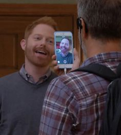 Here's how Modern Family created that Apple device only episode