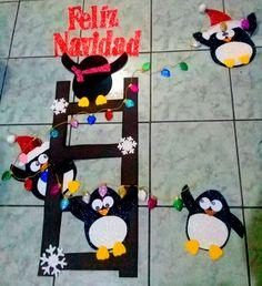 decoracion  para puerta Paper Christmas Decorations, Christmas Yard Art, Christmas Paper Crafts, Office Christmas, Christmas Wood, Christmas Themes, Holiday Crafts, Christmas Decir, Art N Craft
