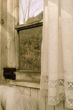 treasuredkeepsakes: HVÍTUR LAKKRÍS: inspiration... Le rideau