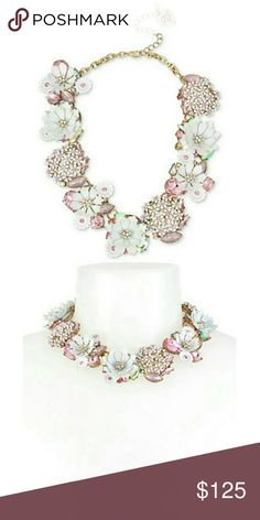 Gorgeous Betsey Johnson floral detail necklace NWT. AL Betsey Johnson Jewelry Necklaces