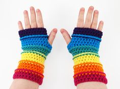 Colors of the Rainbow Fingerless Gloves | Crochet these fingerless gloves with all the colors of the rainbow and keep your hands warm and fingers free