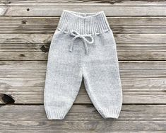 This most soft and delicate baby set is made of yarn Supermix by Italian manufactory Pecci 1884. 30% Alpaca baby and 70% Merino wool extrafine. Its one of the best mix for baby wear and accessories! The set is made on an individual order, so please write me any comments. For your baby this