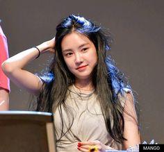 Modern Aprons, Son Na Eun, Apink Naeun, Grunge Girl, Beautiful Girl Photo, Asian Actors, Krystal, K Idols, Pop Group