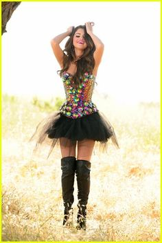I WANT THIS TO BE MY HALLOWEEN COSTUM ! <3 @Adriana D.