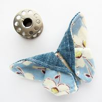"""This is the smallest butterfly I've made so far! It measures about 2.5"""" at the widest point x 1.5"""" high (6 x 4cm). It wasn't hard to make this size, but I doubt I'll try going any smaller. The fabrics..."""