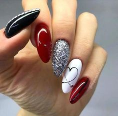 40 Stunning Glitter Nail Designs Ideas to Beautify Your Nail Many women prefer to visit the hairdresser … White Nail Designs, Short Nail Designs, Nail Art Designs, Nails Design, Easy Diy Valentine's Nails, Simple Nails, Classy Nails, White Nail Art, White Nails