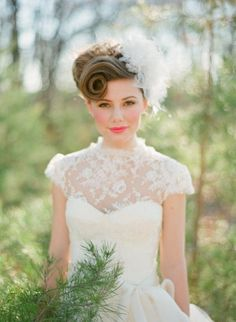 We love the Victorian style flair that this #bride has I Hair by Jewels