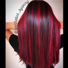 Do you want to color your hair but lack hair color ideas? Check out these awesome two tone hair color ideas for a fun new look! Bright Red Hair, Dark Red Hair, Long Black Hair, Brown Hair, Color Your Hair, Hair Color For Black Hair, Cool Hair Color, Hair Color For Kids, 2 Tone Hair Color