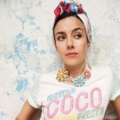 La actriz Cecilia Suárez nos ayuda a contar el momento histórico en la moda en el que Karl Lagerfeld el director creativo de la firma parisina Chanel reinterpretó Cuba en un relato bañado de prints tropicales tonos pastel y tejidos románticos. Descubre su historia completa en la más reciente edición impresa de #HarpersBazaarMx. Foto: @rwwwyoung. #BazaarMx #TelevisaLuxuryMedia #ThinkingFashion #CeciliaSuarez  via HARPER'S BAZAAR MEXICO MAGAZINE OFFICIAL INSTAGRAM - Fashion Campaigns  Haute…