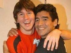 Two most famous Argentinian citizens EVER, soccer legends Lionel Andres Messi with Diego Armando Maradona. Fc Barcelona, Barcelona Football, Best Football Players, Soccer Players, Soccer Boys, Football Soccer, Fifa, Lionel Messi Family, Argentina Soccer