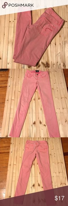 American Eagle Pink Jeggings AEO Jeggings in pink! Size 4 REG. In good gently used condition! Only flaw is on right leg. Looks like pencil marks so it should come out (last picture) no other stains/signs of wear. These are super stretch. Perfect color for spring. Check out my closet for more AEO jeans & bundle for 15% off! ❤️ American Eagle Outfitters Jeans