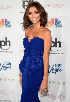 Giuliana looks like an evolved Avatar character in this gown that shows an intricate network of scalloped edges and frills. #funny #eatingdisorder #bulimia #anorexia