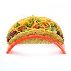 Fiks fredagstacoen for søl med en simpel, rimelig og litt trendy tacoholder. Taco Meal, Taco Holders, Hold Your Peace, Taco Stand, Mexican Food Recipes, Ethnic Recipes, Serveware, Dinnerware, Shells