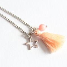 Collier chaine à billes pompon rose, étoile et perles de jade rose