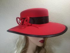 43471321_238566926840183_9102002707815727104_n Snapback, Hats, Fashion, Moda, Hat, Fashion Styles, Fashion Illustrations, Hipster Hat, Baseball Cap