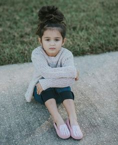 Cute Baby Girl Pictures, Cute Girl Poses, Stylish Girl Pic, Stylish Kids, Cute Babies Photography, Cute Little Girls, Beautiful Children, Kids Girls, Toddler Girl