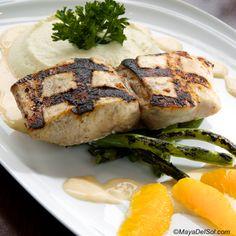 pescado del dia | mahi, cauliflower purée, green beans, citrus-butter sauce sauce