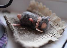 Wool felt mice Felted Mouse Felt Toy Miniature Needle felted mouse Realistic mice of felt Animal felted rat Posable Dollhouse miniature doll