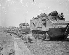 Juin 1918: la relance des offensives allemandes. Conty, Somme, embarquement des chars. Date : Juin 1918
